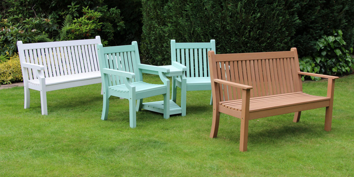 Winawood Garden Furniture On A Lawn